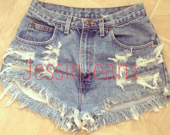 Denim shorts destroyed light highwaisted