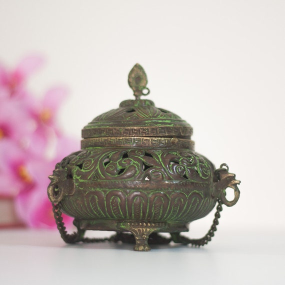 Fundecor Fashion Chinese Style Vintage Home Art Decor: Brass Lantern / Incense Burner Vintage Indian Lamp / Candle
