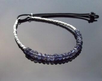 Silver yoga bracelet, Petite beaded friendship bracelet with adjustable closure, Blue hippie bracelet