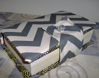 """Beautiful Gray/Ivory Chevron Bible Cover with Button Closure  8.5"""" x  5.5"""""""