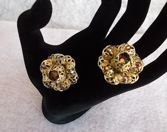 Vintage Sarah Cov.Aurora Borealis Goldtone Clip Earrings.....317
