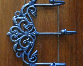 Shabby Chic Wall Hook / Cottage Chic / Key Hanger / Jewelry Necklace Organizer / French Cottage Decor / Navy Blue or Pick Color /Girl's Room