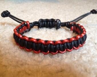 men's leather bracelet . macrame hadmade bracelet. men's red n and black bracelet. handcrafted bracelet