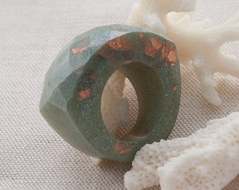 Jade Green Faceted Statement Eco Resin Ring Copper Leaf Flakes, US 7.75 / UK P SIZE