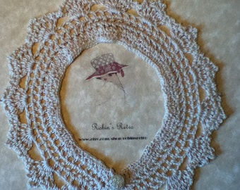 Vintage Style Crocheted Lace Collar in Ivory