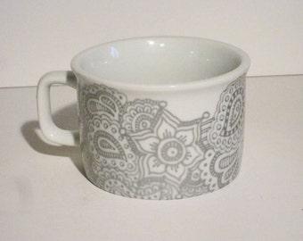 Ceramic Metallic Silver Paisley Cup
