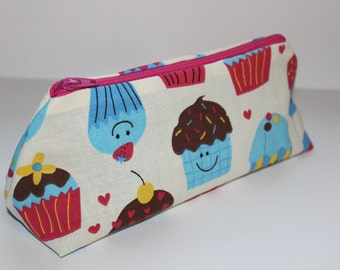 Adorable Smiling Cupcakes and Hearts Zippered Pouch with Pink Zipper
