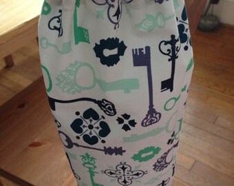 Grocery Bag Holder--Fancy Keys//Green//Keyholes