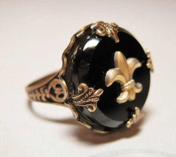 fleur de lis ring black gold fleur de lis vintage glass cab