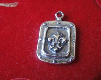 925 sterling silver oxidized fleur de lis charm,silver fleur de lis, pendant with fleur de lis