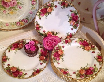 Old Country Roses set of six Tea Plates. 1962-1973. Royal Albert first quality OCR vintage side decorative plate.