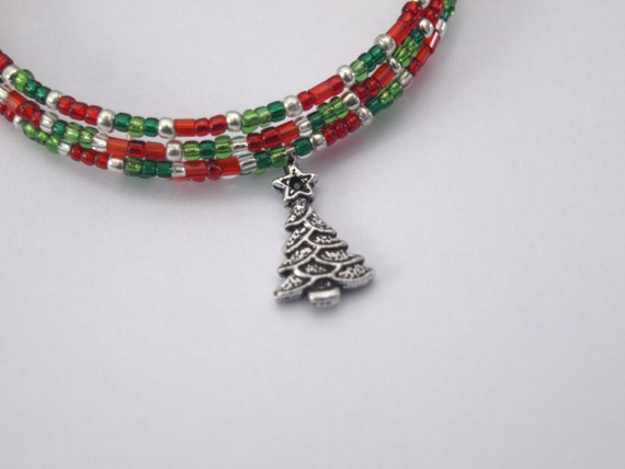 Christmas coloured beaded memory wire bracelet with christmas