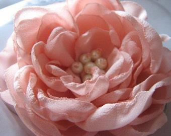 Pink wedding hair clips Pink hair flower Pale pink hair flower Pink wedding flower Pink wedding headpiece Pink bridesmaids hair flower