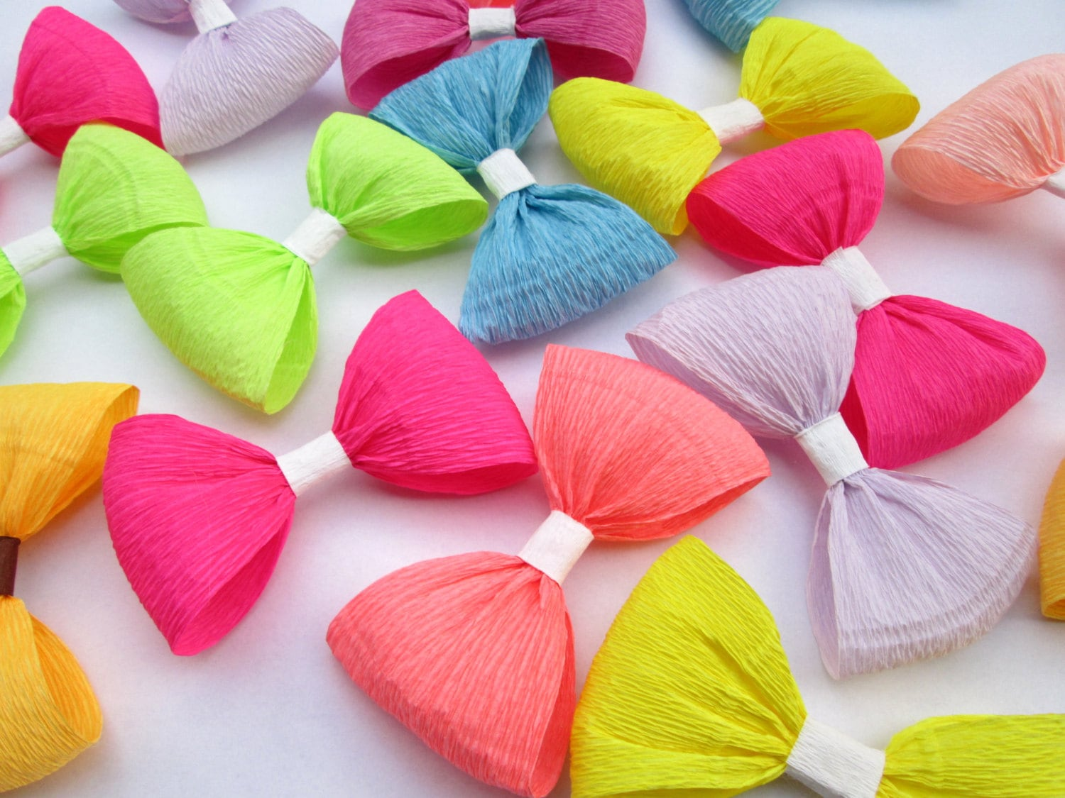 12 paper bows crepe paper bows birthday decoration wedding for Decoration paper
