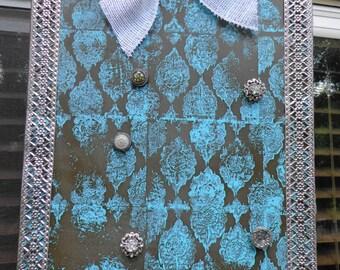 Vintage look magnetic photo or memo board