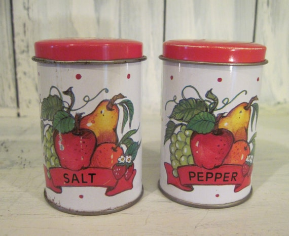 Vintage canister tin salt and pepper shakers colorful Colorful salt and pepper shakers