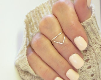 Above Knuckle Ring Set of 2, One Chevron One Band in Gold or Silver Stacking Midi Dainty Adjustable Rings
