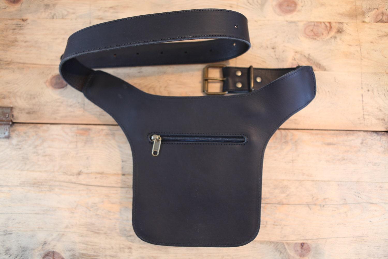sac banane en cuir noir sac ceinture en cuir pour homme. Black Bedroom Furniture Sets. Home Design Ideas