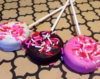 Chocolate Dipped Valentine Oreo Lollipops
