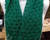 Lace Emerald Green Infinity Scarf, Crochet, Chunky Cowl Scarf - AtelierRaniera