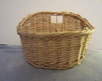 Letter Basket Handwoven Reed Vtg. 1980s for Cards, Recipes, Makeup, Desk Misc. FREE SHIPPING
