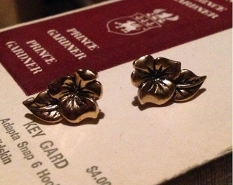 30% SALE Vintage Gold Flower Avon Earrings