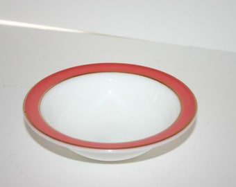 Vintage Pyrex cereal bowl with red and gold trimmed bands
