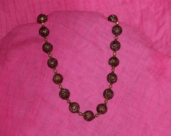 Pretty Wood Look Necklace