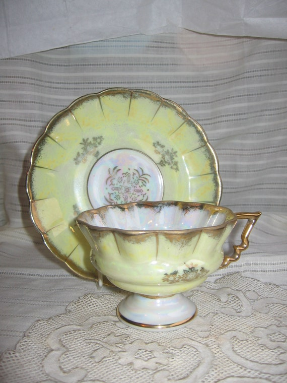Vintage Fan Crest Japan China Yellow Luster Gilt Crimped Tea Cup & Saucer