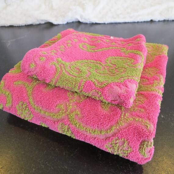 Hot Pink Towels Bathroom: Retro Mod Bath Towel Wash Cloth Set Hot Pink By RedRoofCottage