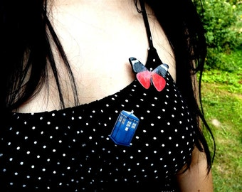 Free Shipping Worldwide, Dr Who Tardis brooch, Dr Who Jewelry, Police Phone Box Necklace, Tardis jewelry, Dr Who, Summer jewelry
