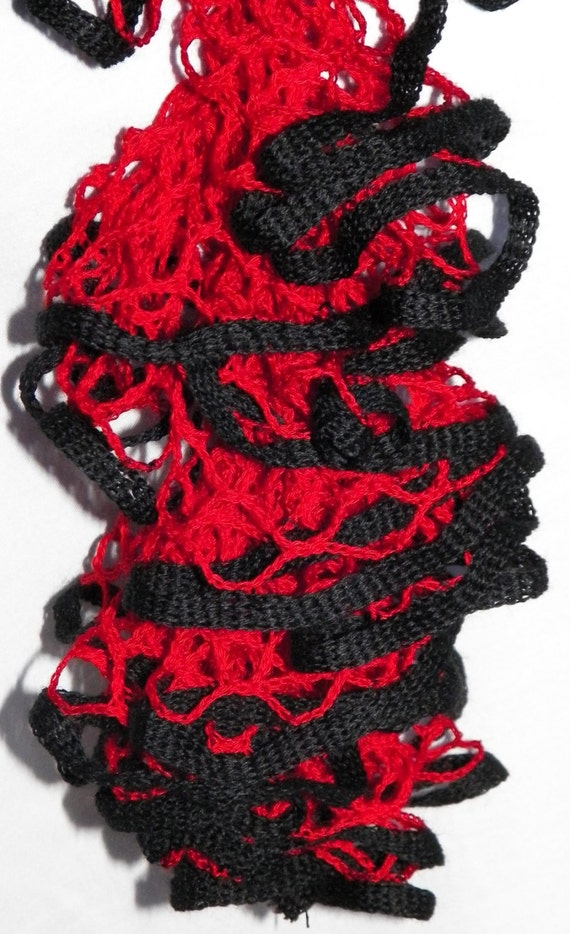 crochet starbella flirt scarf pattern Has anyone been knitting with the starbella flirt yarn it's a chiffon ribbon yarn did you knit or crochet and how many i have made 3 scarf with the flirt.