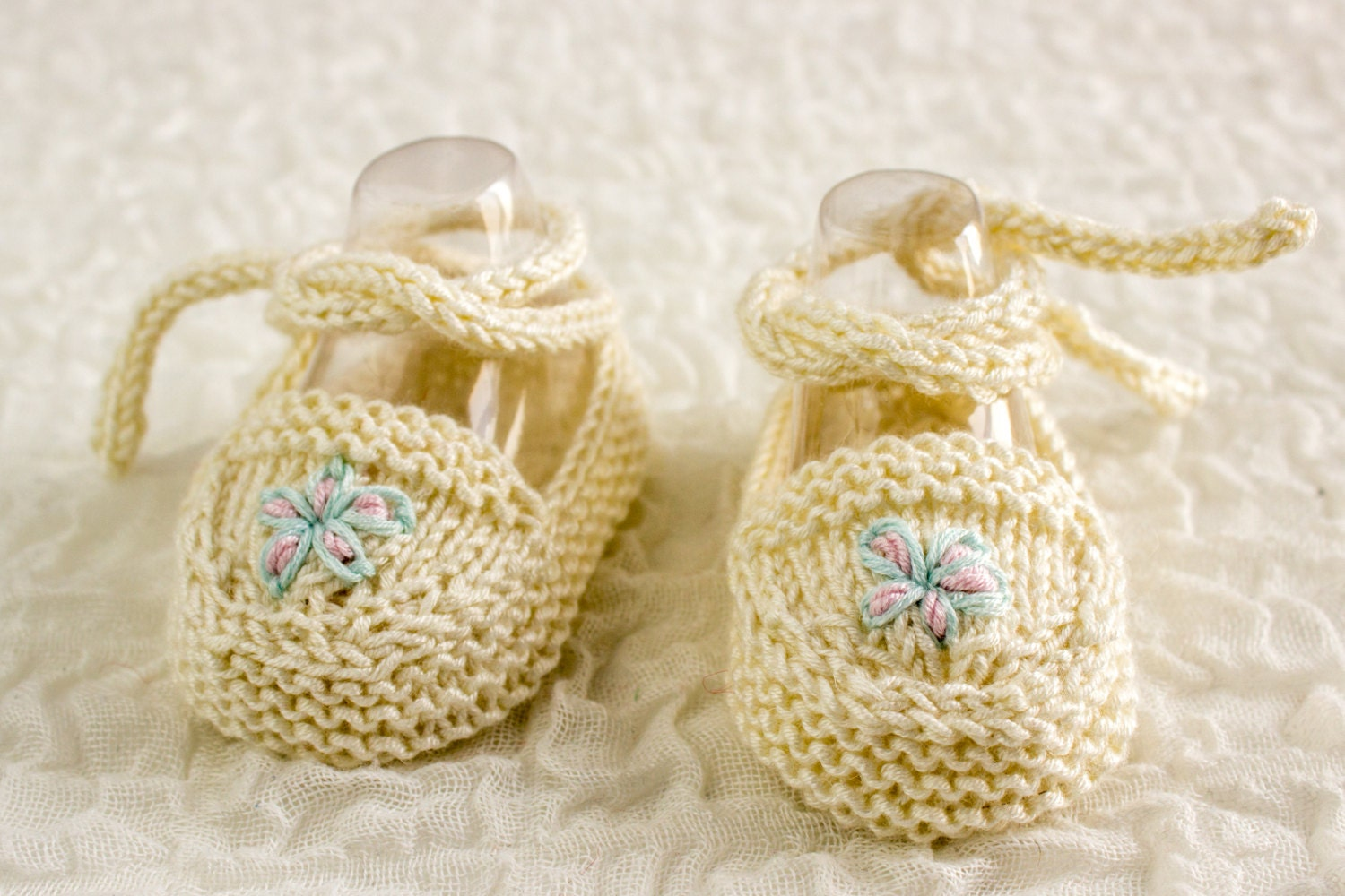 Baby Ballet Slippers Knitting Pattern : KNITTING PATTERN Baby Ballet Shoes Baby Ballet Slippers
