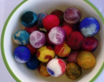 Felted cat balls     FREE SHIPPING