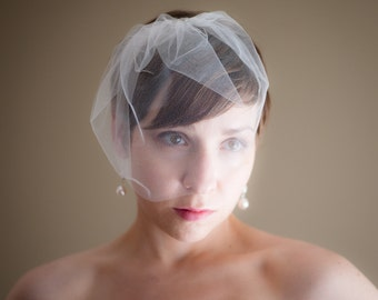 Small Tulle Birdcage Wedding Veil (Blusher Veil, Mini Veil, Bridal Veil, Bridal Illusion Tulle, Bird Cage Veil, Retro Veil)