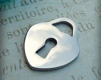 Heart Charm, Stainless Steel Jewelry Pendant, Set of 5 SST Findings 15x19x1.50mm heart  pendant with keyhole cutout charms Heart Charm (019)
