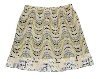 Girls ruffle skirt, size 5, above knee twirly, yellow gray grey geometric dot pattern