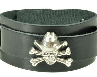 "Lederarmband ""SKULL + BONES + HAT"",  Leder, leather, Armband, bracelet, black, Niete, rivet, Totenkopf, skull, Knochen, bones, Hut, Hat"