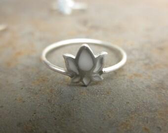 Enamel lotus ring