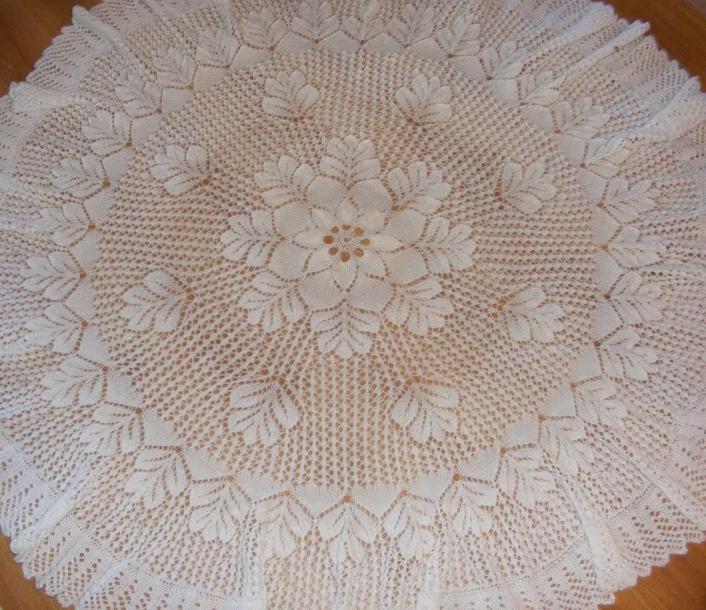 Knitting Pattern For A Small Leaf : Oak Leaf baby shawl knitting pattern in 4ply Instant digital