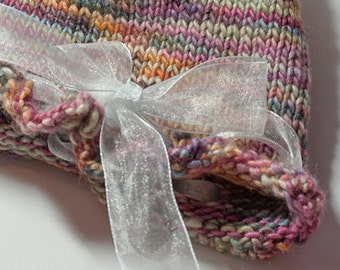Sweet Ruffled Newborn Hat with Ribbon in Merino and Silk.