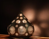 Teardrop Shaped Table Lamp made from Nickel | Beautiful Light Projection | Ambiance Lighting