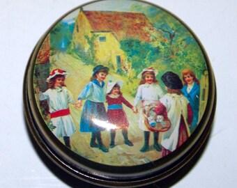 Vintage lolly tin or pill box