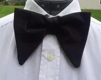 Retro Vintage 1970's oversized black satin bow tie+pocket square
