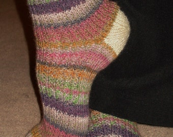 Comfy Spring Toe-up Socks Pattern PDF