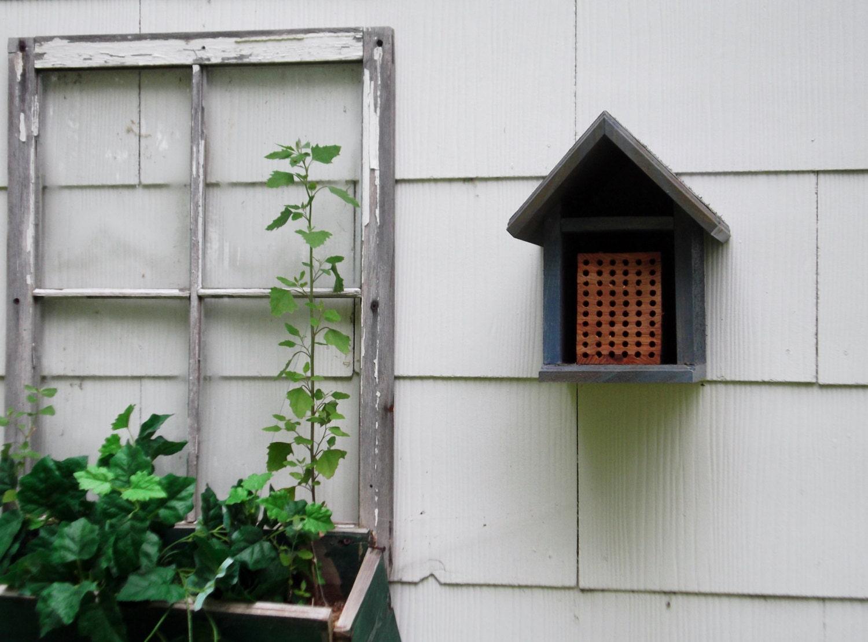 Mason bee house habitat cedar habitat restoration organic - House habitat ...