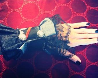 Wa Lolita Hand Cuff
