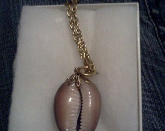 sea shell charm necklace