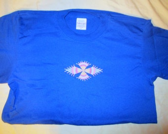 Embroidered blue t-shirt