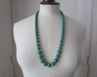 Former Green Pearl Necklace